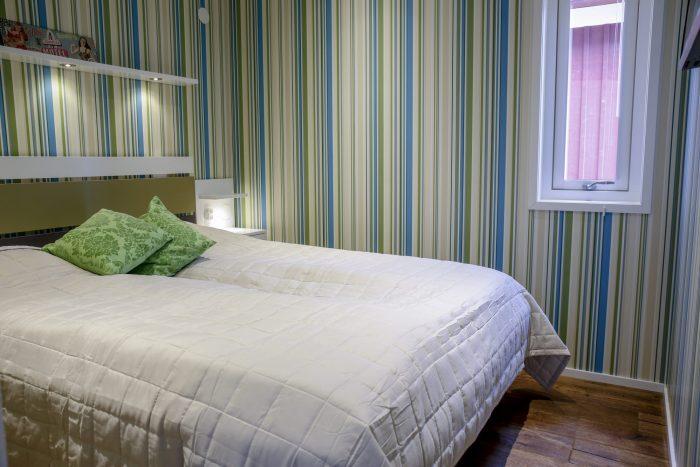 Master bedroom stugsvit retro