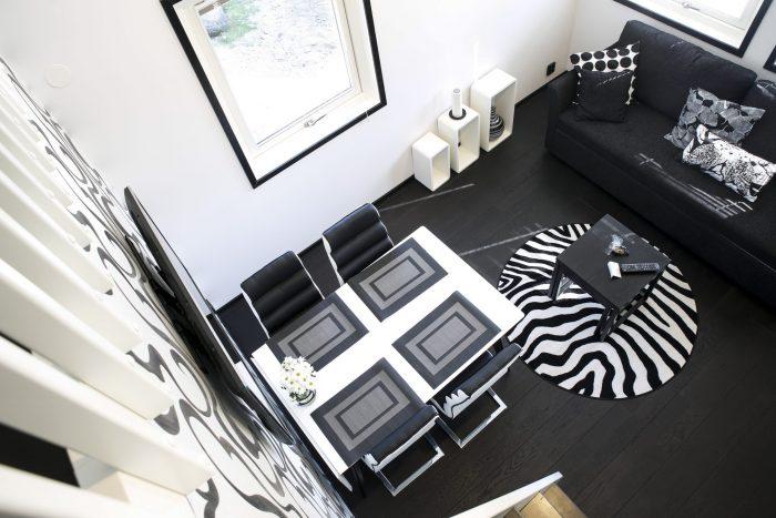 Matbord/vardagsrum svart/vit stugsvit