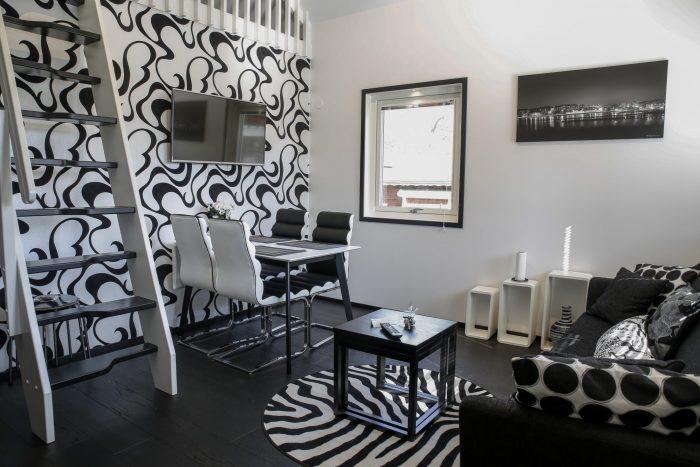 Vardagsrum svart/vit stugsvit